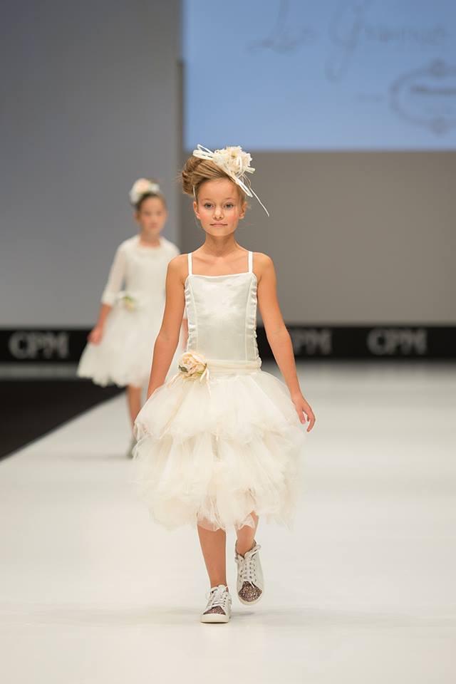 Les Gamins- Evelina - Julia Voronova CPM Moscow
