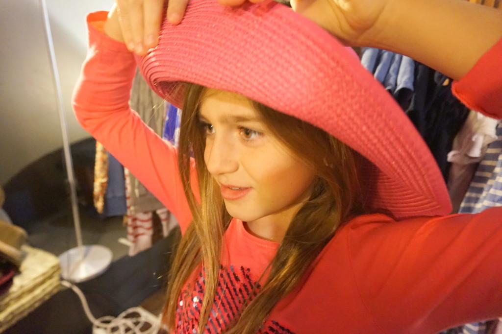 Karen y los sombreros de Tontadas