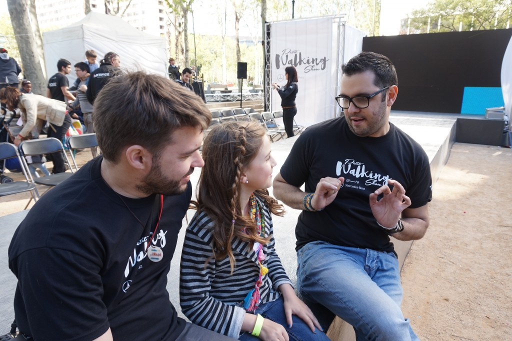 Karen con Gabito Rohh y Mario Agulló en Petit Walking Tour Barcelona